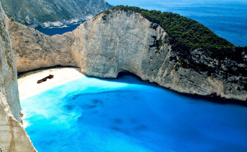 Top 5 Beaches to Visit in Greece